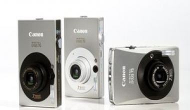 Canon mizeaza pe tonuri clasice si linii subtiri