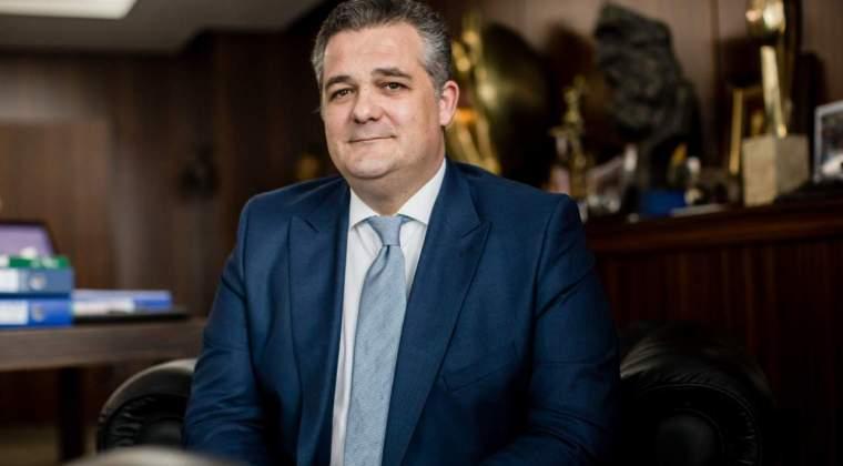 Ioannis Papalekas imprumuta 150 mil. euro de la fondul de pensii al Canadei si 30 mil. euro de la Cairn Capital