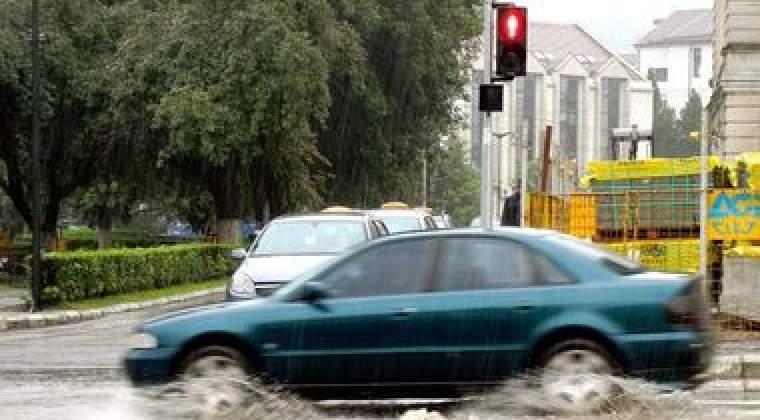 Cod portocaliu de inundatii pana sambata la miezul noptii in judetele Harghita, Mures, Covasna si Brasov