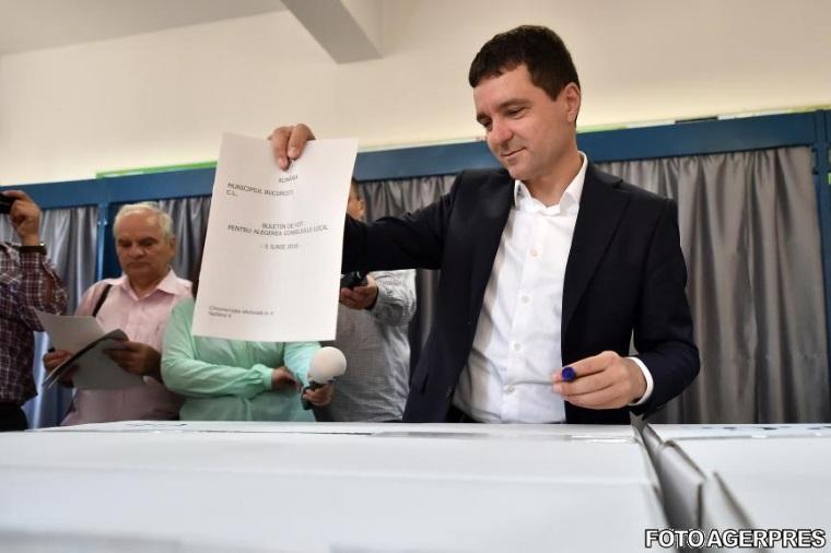 Nicusor Dan: Nu am avut delegati in 36 de sectii din sectorul 1 , in acestea PSD a castigat cu 1775 de voturi (medie 46 voturi / sectie in defavoarea noastra