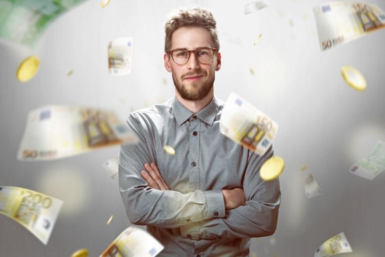 Salariile au continuat sa creasca in aprilie, castigul mediu net ajungand la 463 euro