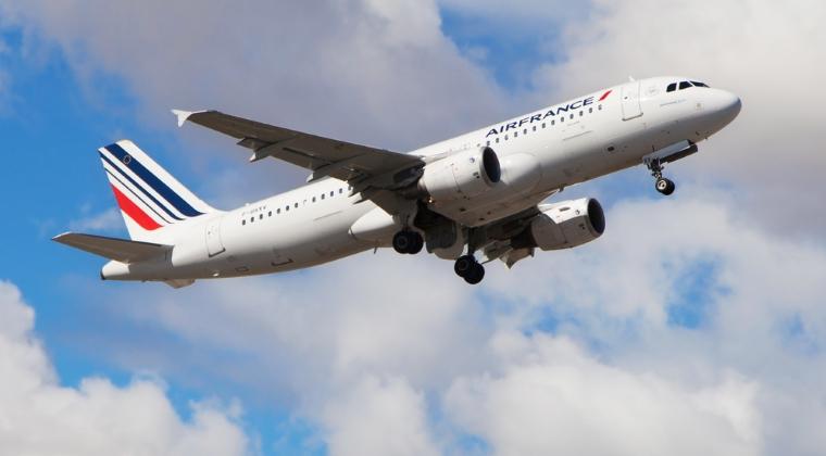 Aproximativ un sfert dintre pilotii Air France fac greva alaturi de feroviari si lucratori din salubritate
