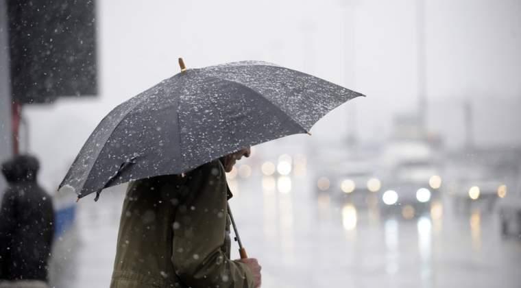 Ploi si vijelii in vestul si nord-vestul tarii, de duminica pana marti seara