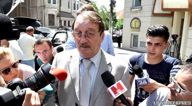 Mircea Basescu, condamnat definitiv la patru ani de inchisoare