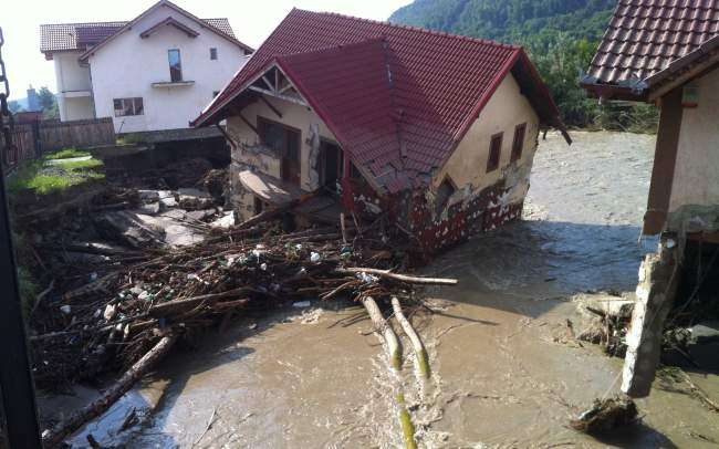 Obligatoriu si nu prea: Doar una din cinci locuinte este asigurata impotriva dezastrelor naturale