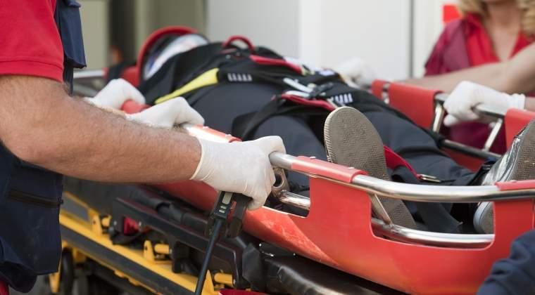 Un autocar cu pasageri s-a rasturnat in Brasov. 22 de persoane au fost ranite