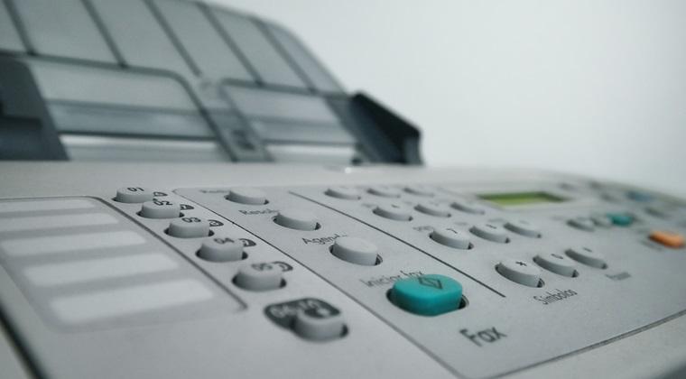 Senatul vrea ca cumpere 12 imprimante multifunctionale pentru ca printeaza 15.000 de pagini lunar