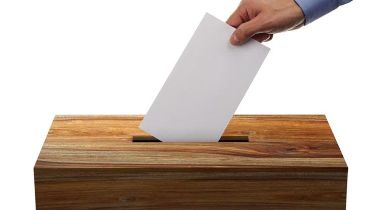 Locuitorii unei comune din Buzau, din nou la urne dupa ce in 5 iunie primii doi clasati au obtinut numar egal de voturi