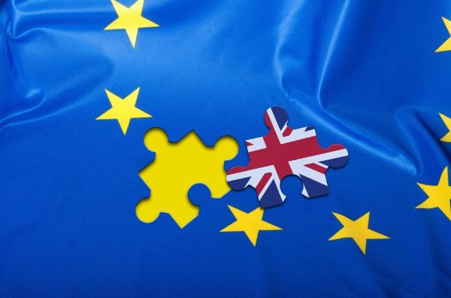Pulsul romanilor din Londra, dupa votul pro Brexit: de la speranta ca UK nu se va prabusi, la panica si planuri si viitor sumbru