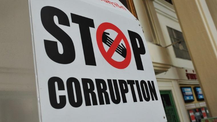 Analisti financiari: Romania trebuie sa combata coruptia si sa aiba o capacitate mai buna in ceea ce priveste absorbtia fondurilor UE