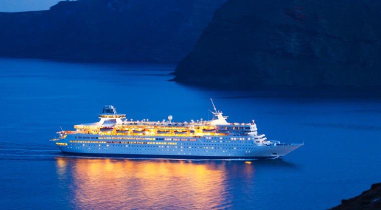 Turistii lasa Marea Mediterana pentru croaziere in Caraibe, Emirate sau America de Sud