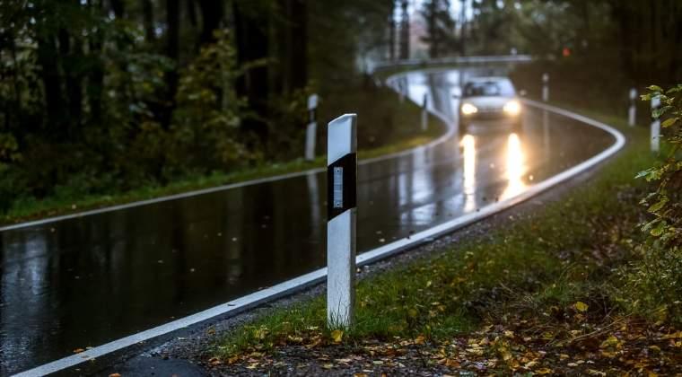 Trafic ingreunat pe DN1, la Comarnic, din cauza aluviunilor scurse de pe versanti dupa o ploaie torentiala