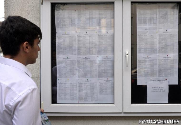 Bacalaureat 2016, prima proba: 70 de candidati au fost eliminati pentru frauda, rata de participare de 96,12%