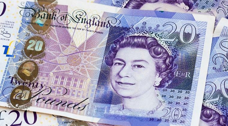 Britanicii au strans peste 25.000 de lire sterline pentru a ajuta romanii al caror magazin a fost incendiat la Norwich