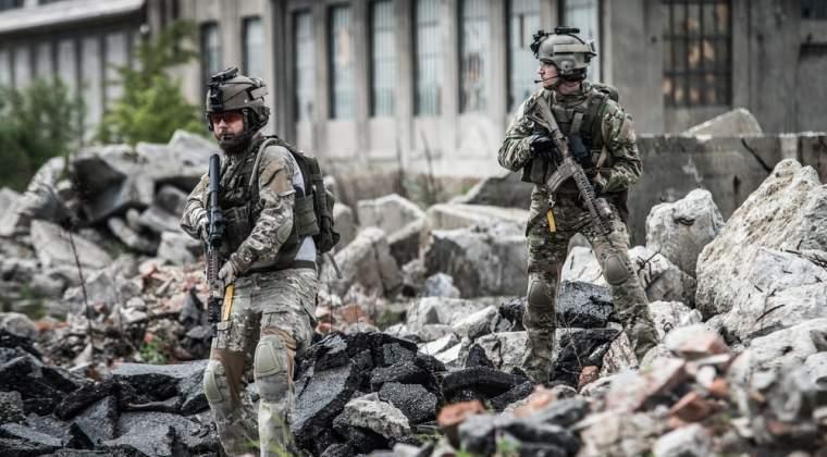 Klaus Iohannis a promis ca militari romani vor fi trimisi in Polonia in cadrul batalionului NATO