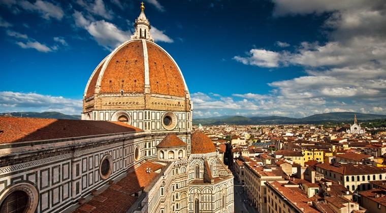 Florenta nu vrea restaurant McDonaldaEUR(TM)s in Piazza del Duomo