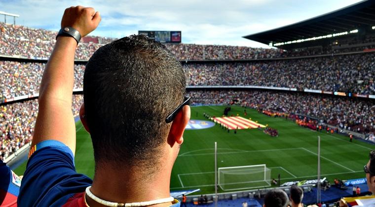 Euro-2016: Primele francezilor pentru titlu sunt de cate 300.000 de euro, cele are portughezilor sunt de 275.000 de euro