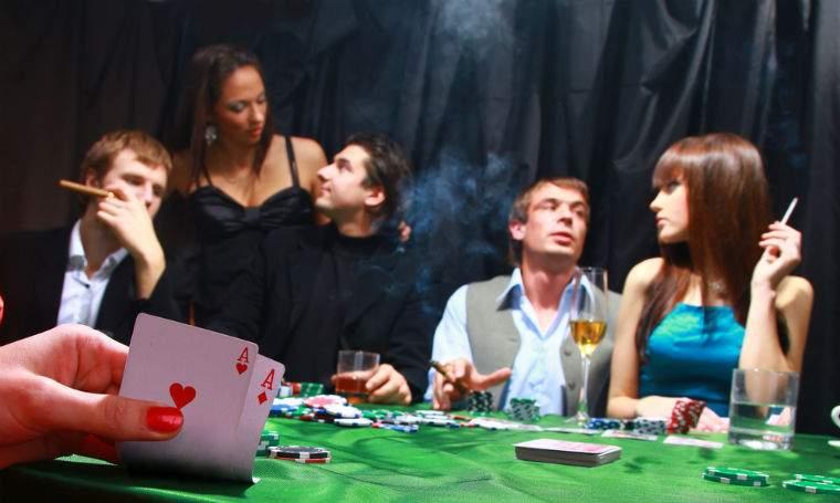 Perchezitii la o firma de jocuri de noroc din Bucuresti si la persoane care ar fi organizat ilegal turnee de poker