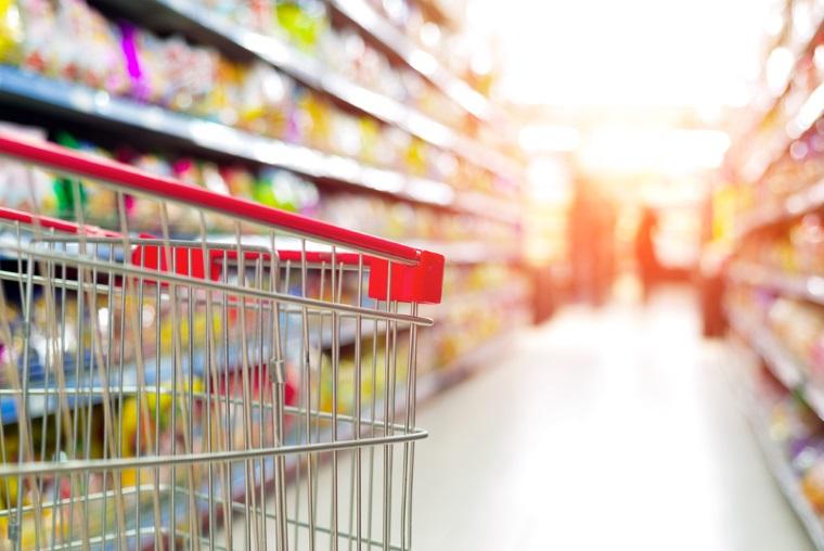 Legea privind comercializarea in proportie de 51% a produselor romanesti in marile magazine a fost promulgata de Iohannis