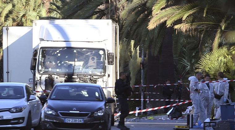 "Angela Merkel sustine ca atacul de la Nisa este o ""crima in masa"""