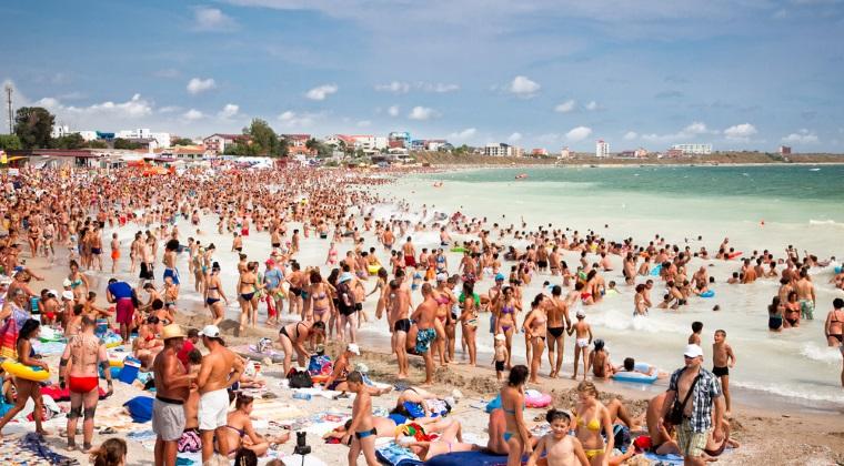 Peste o suta kilograme de produse alimentare, retrase de la comercializare in localuri de pe litoral