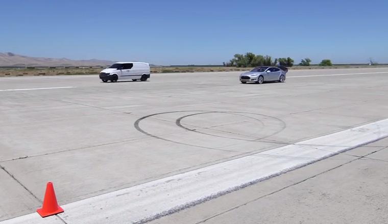 O firma americana a dezvoltat un van electric care alearga mai repede decat o Tesla si un Ferrari