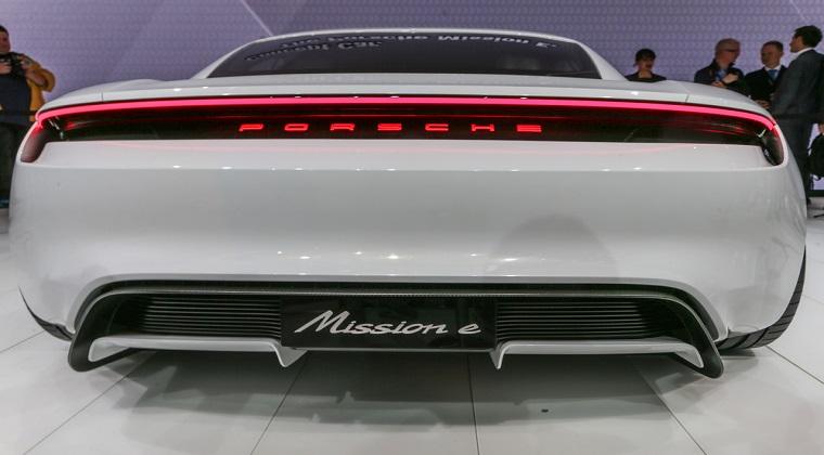 Porsche se pregateste pentru primu automobil electric: Peste 1.400 de angajari