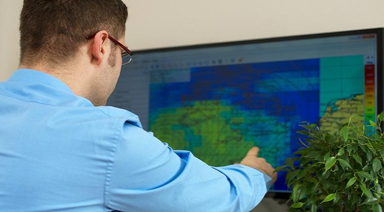 Opt candidati pe locurile de la Meteorologie si Hidrologie: ce ofera piata muncii absolventilor si cat castiga un meteorolog