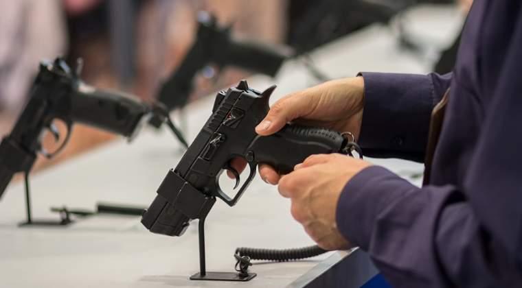 Uzina Mecanica si Fabrica de Arme din Cugir isi opresc activitatea in august, iar angajatii intra in concediu