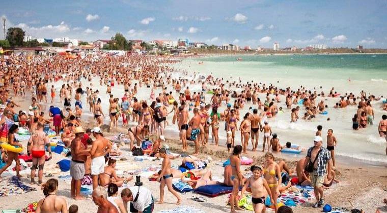 Agentie de turism: Zeci de hoteluri zac in paragina de zece ani pe litoralul romanesc