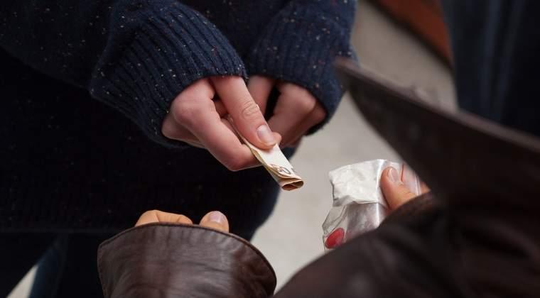 Aproape trei tone de droguri confiscate si peste 450 de traficanti din 41 de grupari retinuti, in primele sase luni