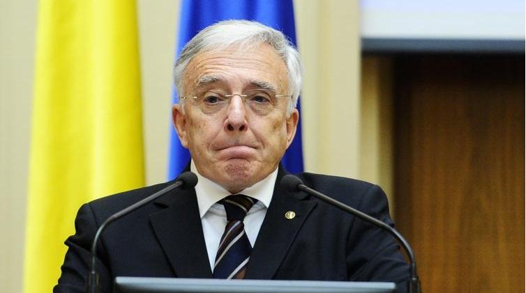 Mugur Isarescu isi face public salariul. Cat incaseaza lunar guvernatorul BNR