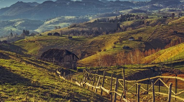 Povestea de dragoste care a dus la o afacere superba in Transilvania. Au lasat orasul pentru un sat de poveste si au pornit totul cu 10.000 de euro