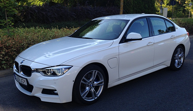 BMW 330e plug-in hybrid: joc de tehnologie - test drive