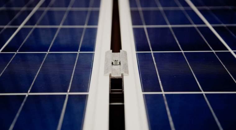 Premiera in constructii! Franta incepe productia de panouri solare pentru autostrazi: cum vor arata soselele viitorului