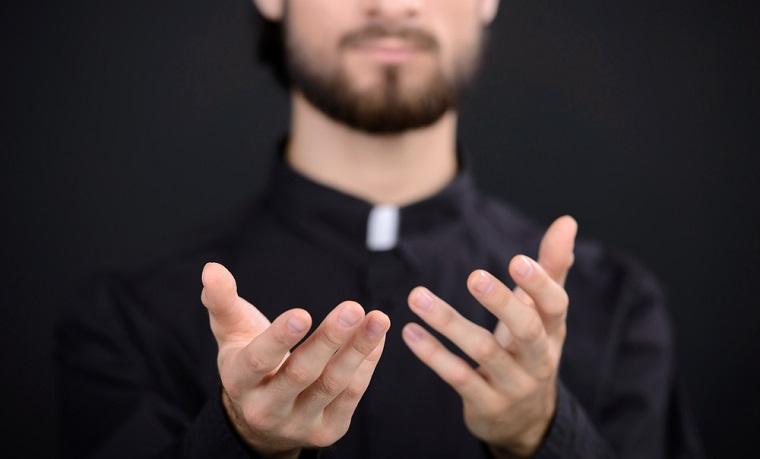 Ministrul Finantelor: Nu s-au dat bani pentru Catedrala Neamului, resurse au fost alocate pentru cresterea salariilor clericilor