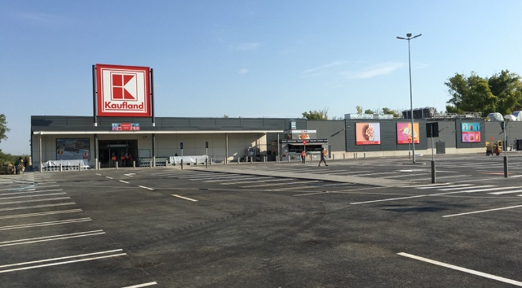 Kaufland deschide un nou hipermarket si angajeaza 80 de persoane