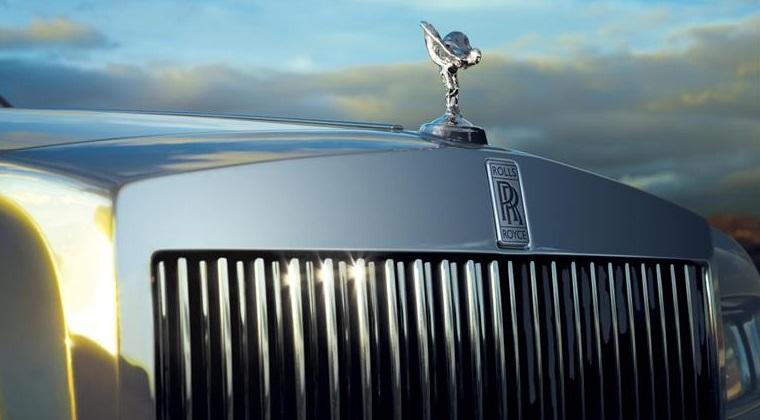 Britanicii au gasit o solutie pentru a face emblemele de pe masini imposibil de furat