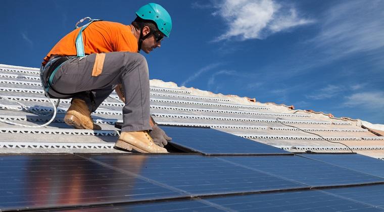 Elon Musk vrea ca Tesla si SolarCity sa creeze acoperisurile solare: Cum vor arata acestea