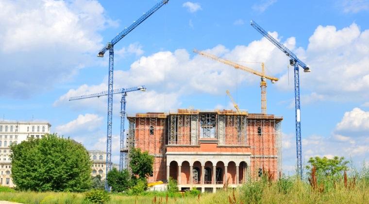 Ce ar fi putut face Primaria Capitalei cu cele 3 milioane de euro jertfite pentru catedrala Mantuirii Neamului