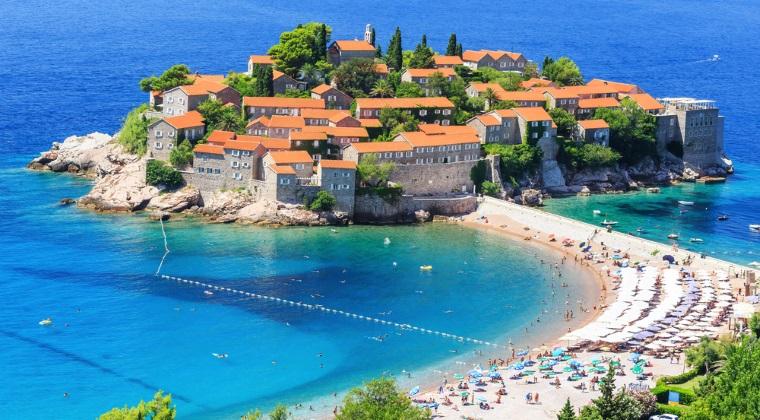 Nu ai bani de vacante exotice? 5 locuri izolate si luxoase din Europa care nu iti golesc portofelul