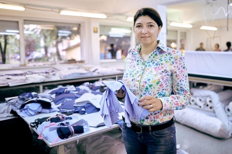 A creat un brand care a rupt tiparele tinutelor business: povestea camasilor Pineberry
