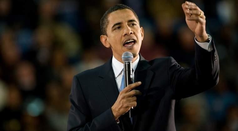 Barack Obama a dezvaluit cartile pe care le citeste in vacanta de vara. Paula Hawkins si Helen Macdonald, intre autori