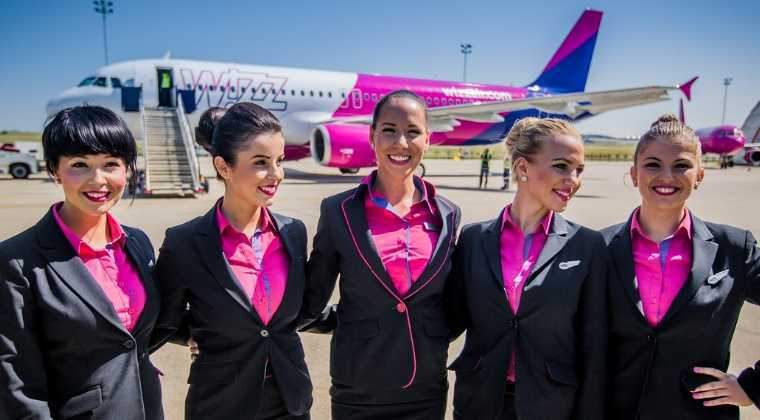 Wizz Air angajeaza stewardese si stewarzi in Bucuresti: cand si ce conditii trebuie sa indeplinesti