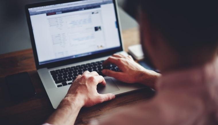 Cum debirocratizeaza Romania trei tineri IT-isti