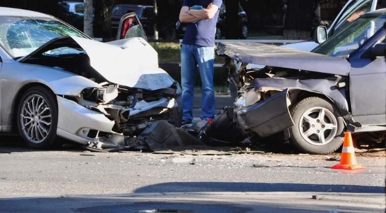 Accident auto produs pe DN 1, in judetul Bihor: trei raniti si trei autoturisme implicate