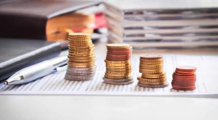 Finantele au imprumutat in august 4,8 miliarde lei de la banci, cu 368 milioane lei in plus fata de calendarul anuntat