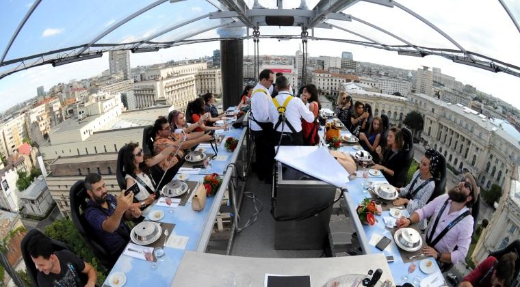 Un inginer roman face 200.000 euro cu un restaurant in care iti pui centura si urci la cer