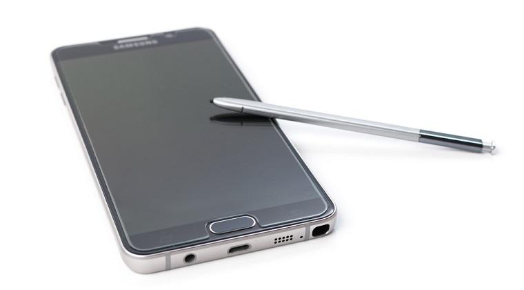 De ce explodeaza smartphoneurile, hoverboardurile si laptopurile