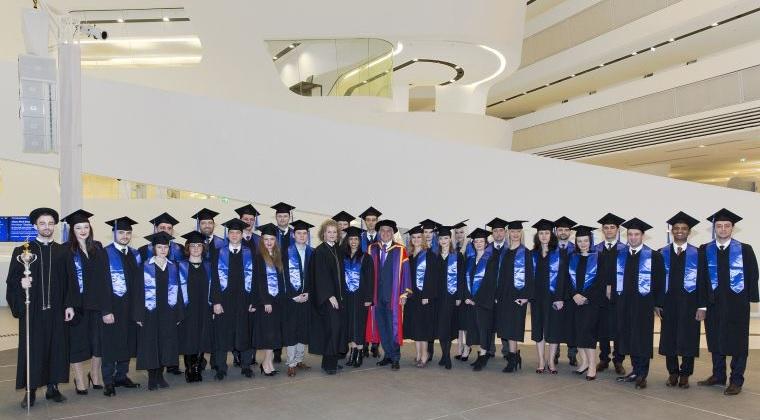 (P) Managerii si antreprenorii romani mai au o luna pentru a beneficia de burse de studiu de pana la 35% la programul WU Executive MBA Bucharest